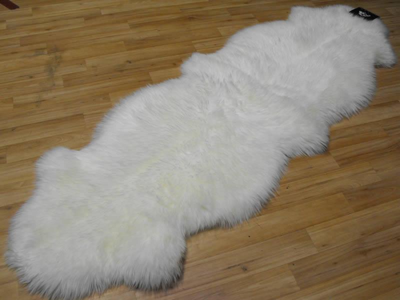 sheepskin rugs uk roselawnlutheran. Black Bedroom Furniture Sets. Home Design Ideas